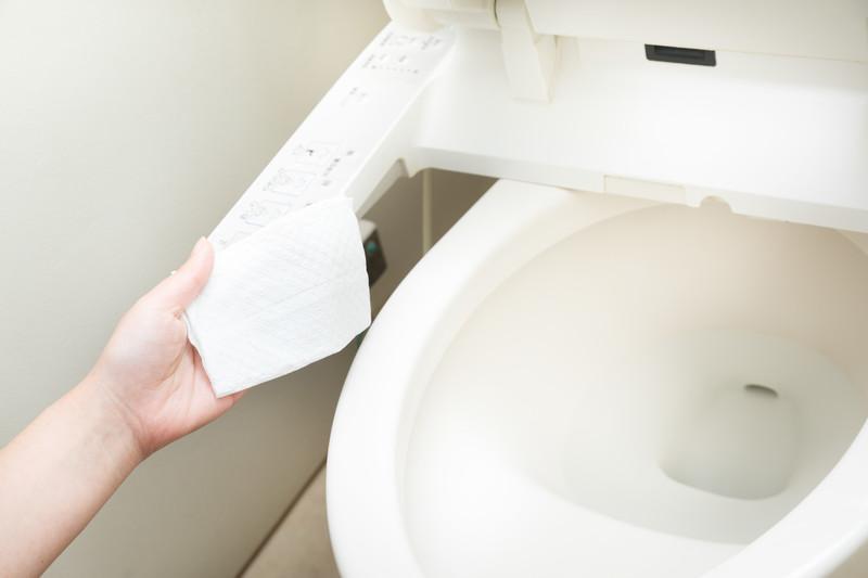光触媒をトイレにコーティングしたらキレイになるイメージ